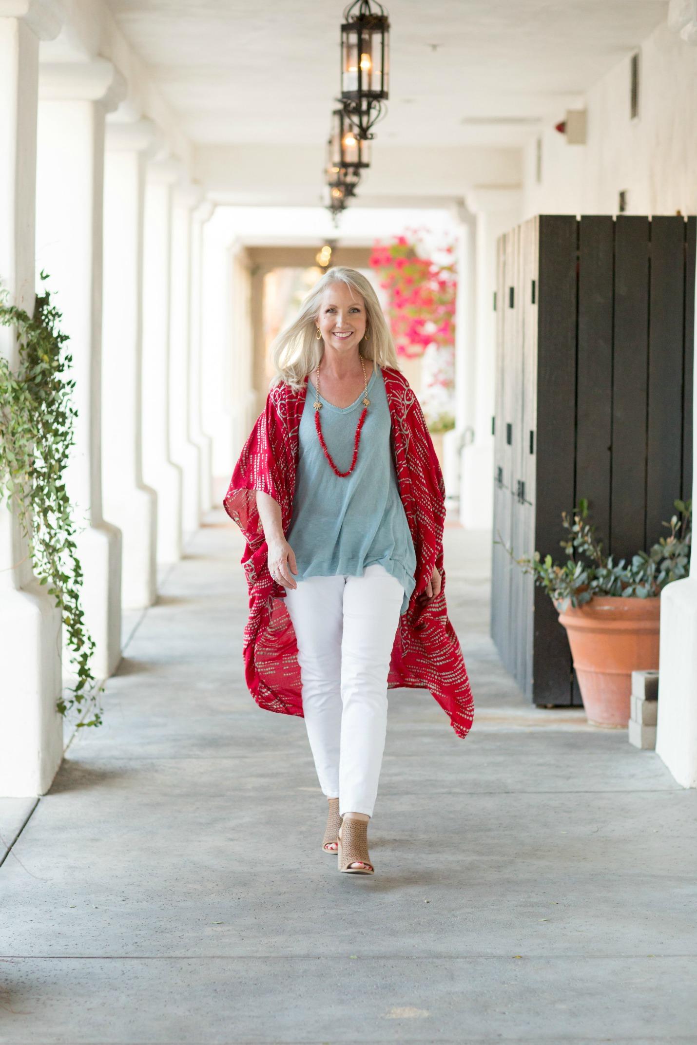 Kimono Red Aqua Top White Jeans 9