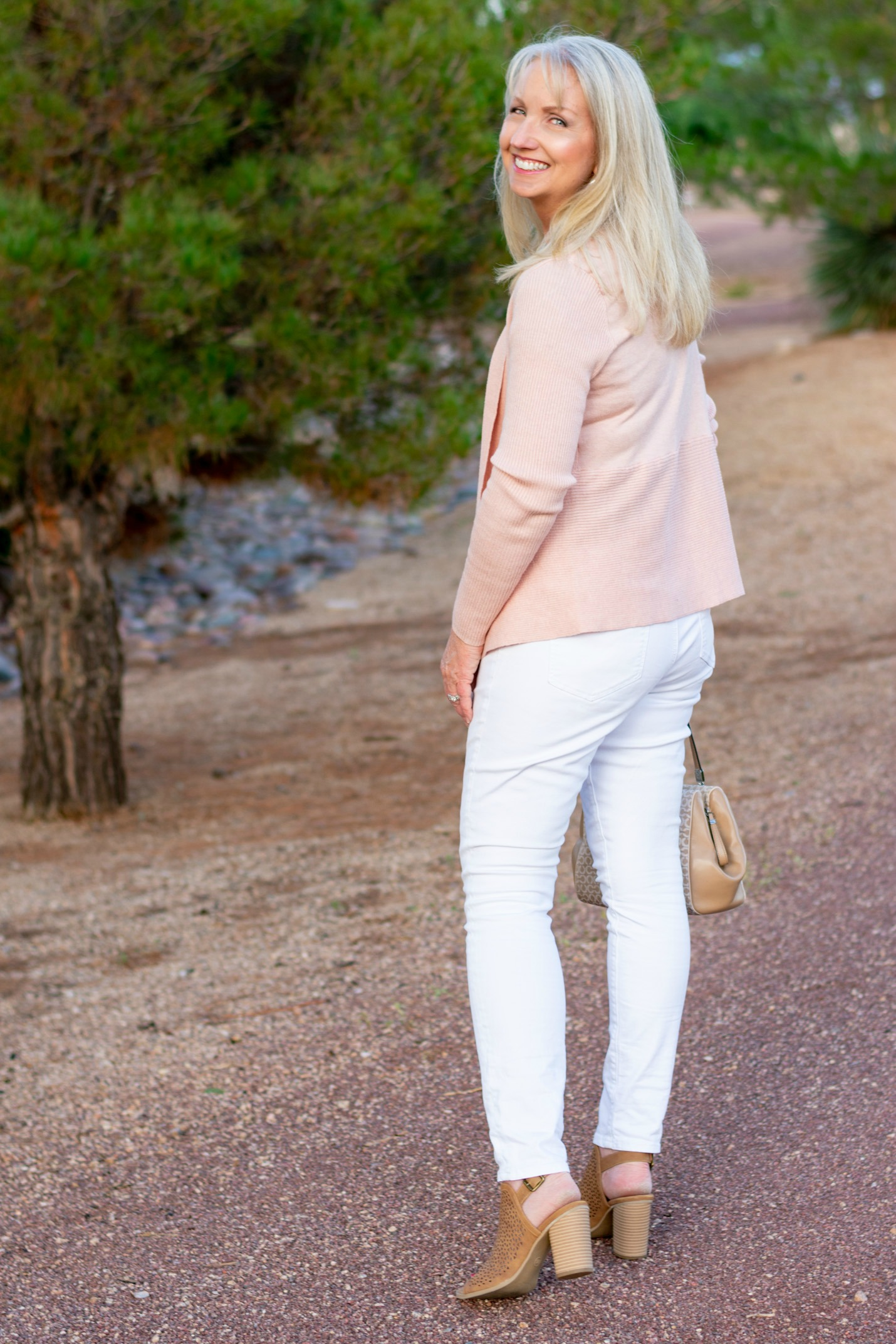 How to Style White Jeans this Fall
