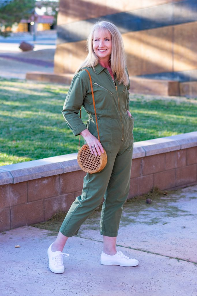3 Ways to Wear a Utility Boilersuit