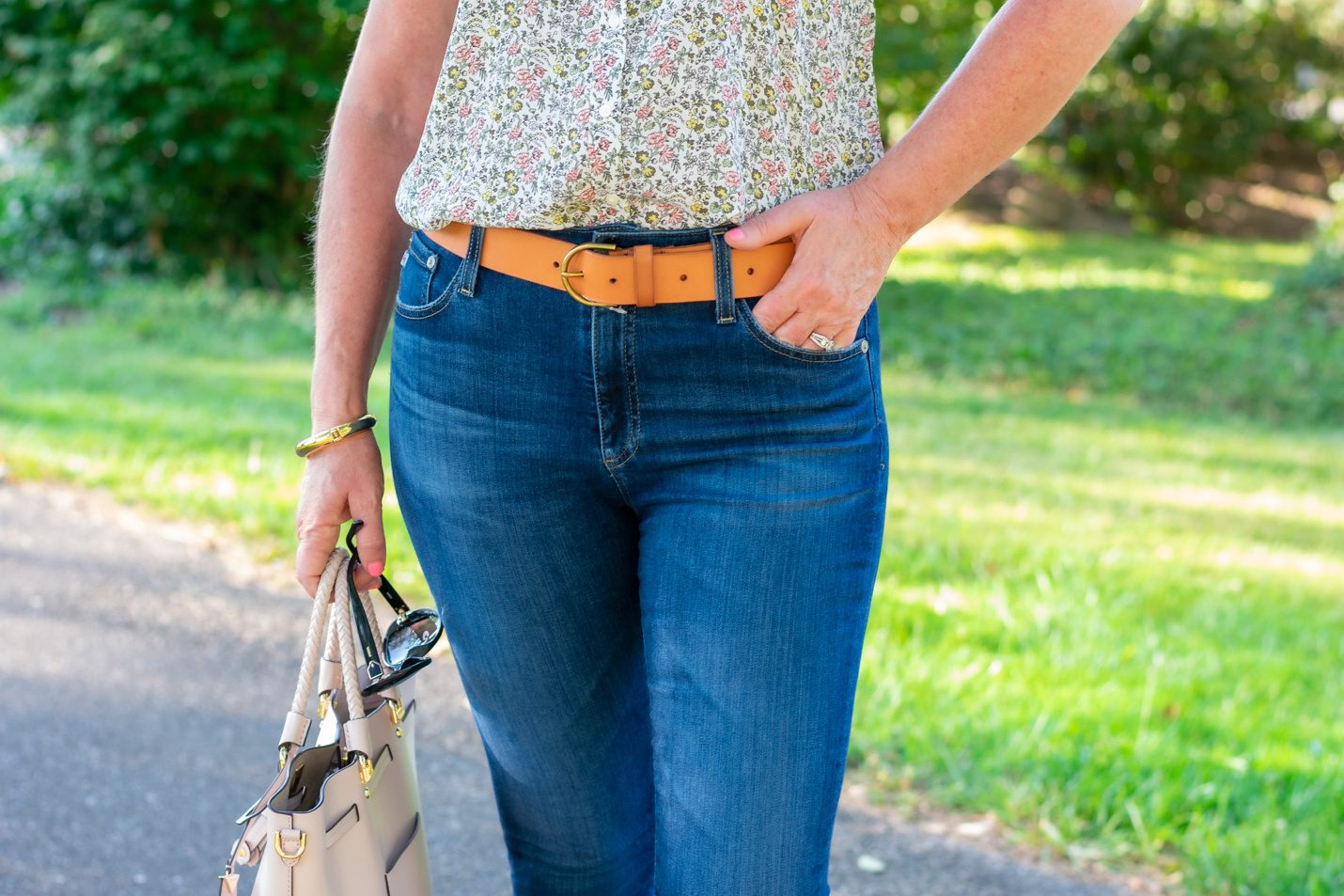 jeans and leather belt