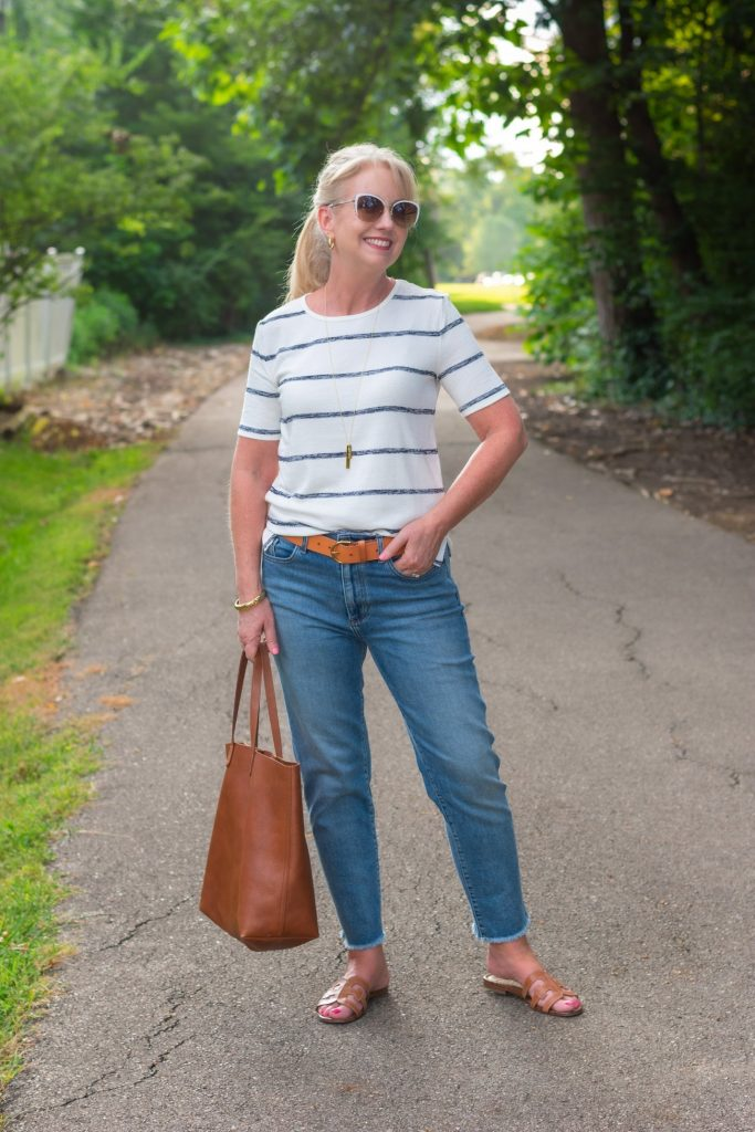 Upscale T-Shirt with Ankle Jeans