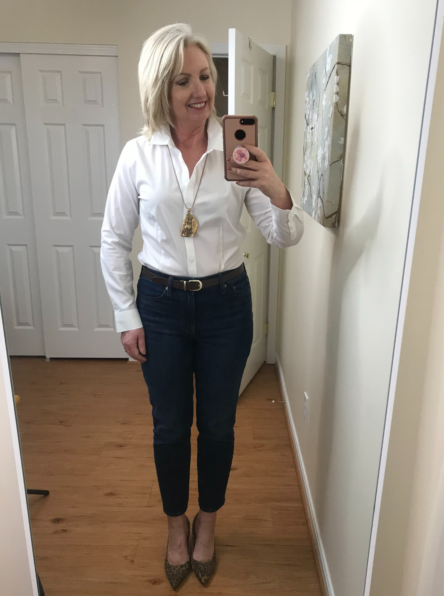 Ankle Jeans White Shirt Full Tuck Belt Leopard pumps