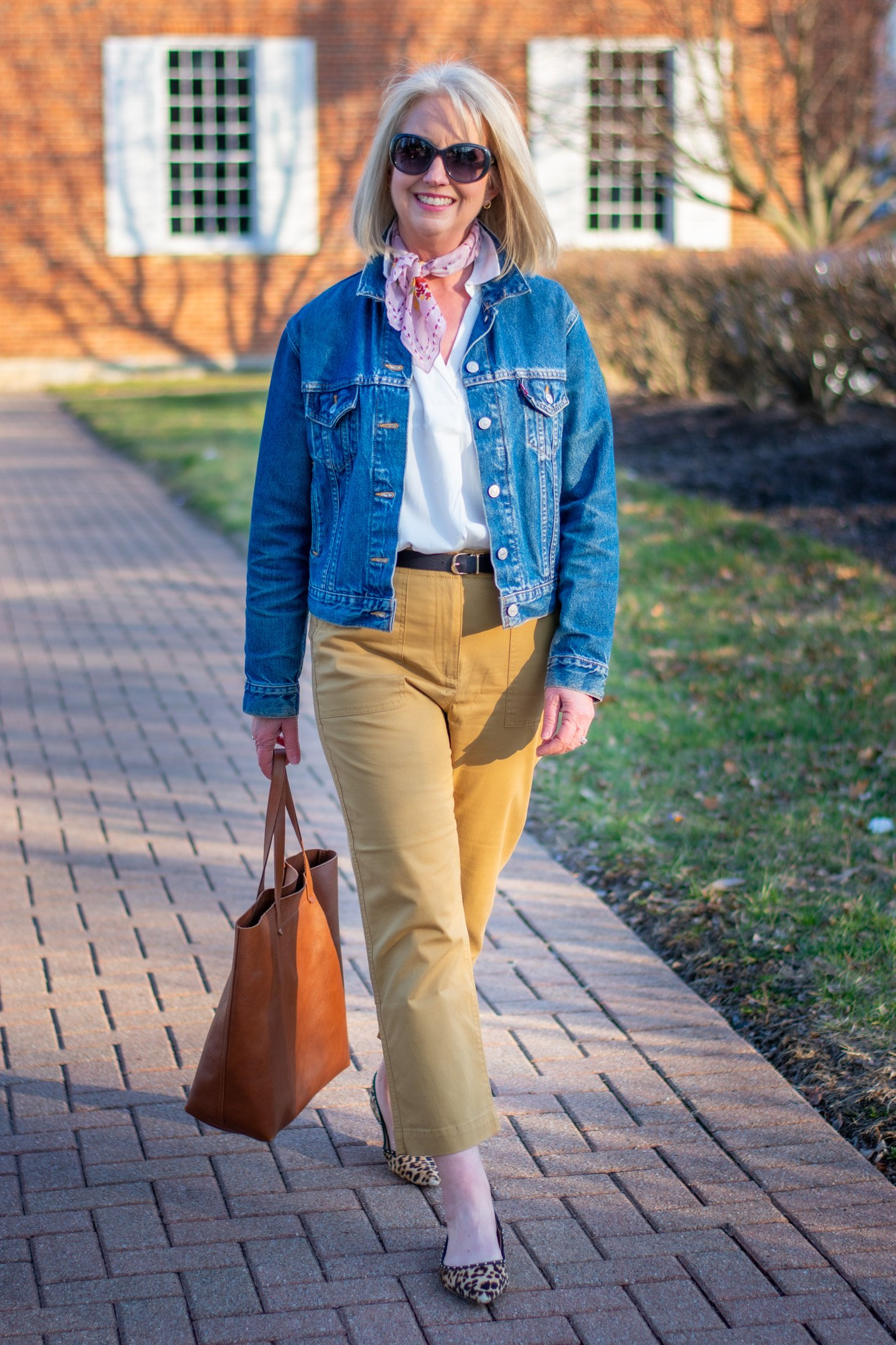 3 Ways to Wear Crop Chinos for Spring and Summer